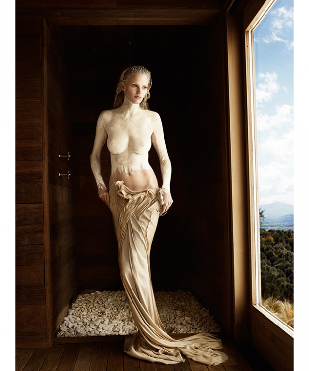 Lara Stone, Tuscany, US Vogue, 2010