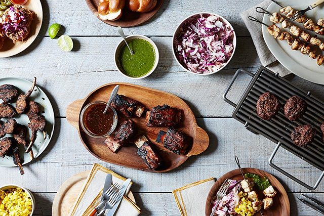 Click through for our 10 best how to host a summer BBQ tips