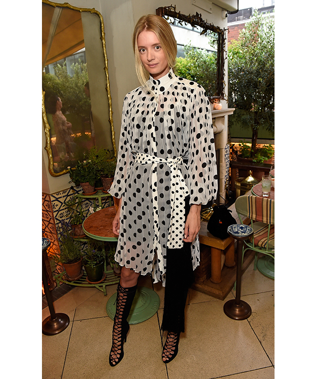 Margot robbie hosts zimmermann flagship launch party in for Zimmermann buro