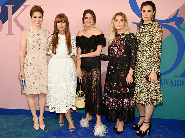 Ellie Kemper, Deborah Lloyd, Leandra Medine, Ashley Benson and Mandy Moore
