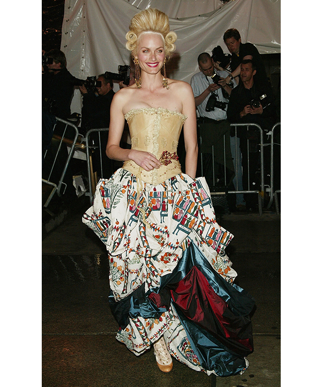 Amber Valletta in a Maggie Norris Couture corset and John Galliano skirt, 2004