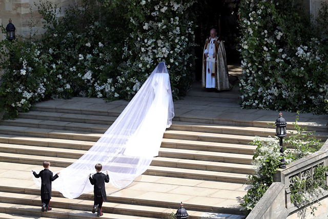 When Meghan Markle's father, Thomas Markle Sr., pulled out of attending his daughter's wedding at the last minute due to an unfortunate paparazzi photo scandal and rumoured ill health, Markle made a powerful history-making decision and walked herself halfway down the aisle. Her father-in-law, Prince Charles, accompanied her for the remainder of the way.