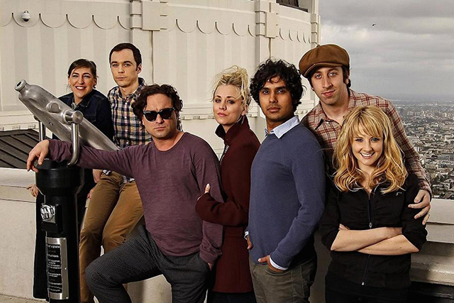 "'The Big Bang Theory' stars making $900,000 USD each per episode are: Kaley Cuoco, Johnny Galecki, Simon Helberg, Kunal Nayyar, Jim Parsons. Mayim Bialik and Melissa Rauch are ""only"" making $500,000 for each 'Big Bang' episode."