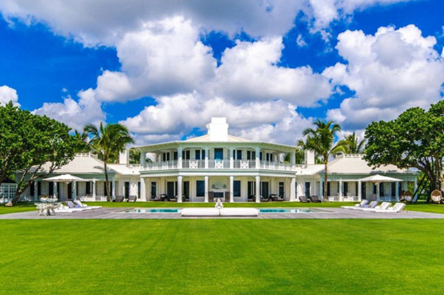 Céline Dion just sold this Jupiter Island, Florida resort-like compound for USD $38.5 million.