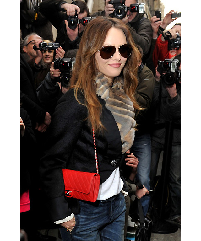 Vanessa Paradis: Chanel bag