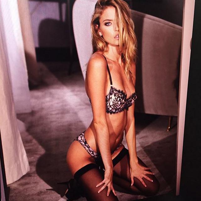 40 Of The Naughtiest Girls On Instagram Buro 24 7 Australia