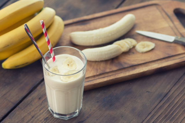 6. Banana smoothie. Blend up a smoothie with a good quality whey protein, banana and ice. The whey protein replenishes glutathione, the body's most important antioxidant. The banana will replace lost potassium, while the ice will combat dehydration.