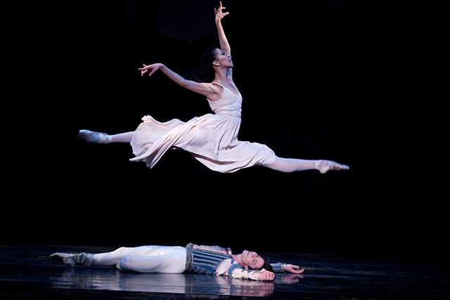 Saturday, July 9: Melbourne, if you haven't yet indulged in the beauty that is The Australian Ballet's Romeo and Juliet, then tonight is your last chance, the incredible show's curtain is raised for the final time tonight.