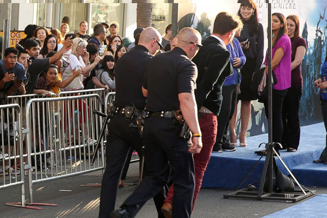 When Brad Pitt attended the premiere of Maleficent in 2014, Seduik hauled his way on the red carpet and attempted to grab the actor around the crutch. Several security guards wrestled Seduik to the ground before LA police arrested the joker. This attack cost Seduik three years in probation and a complete ban from ever going near Hollywood events again.