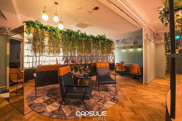 The capsule hotel sydney cbd the japanese pod inspired for Hotel foyer decor