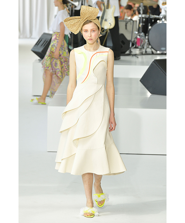 Franny Cowap: Angel faced Macgraw muse, Franny Cowap walked for Delpozo at NYFW and walked for the second time in Gucci's S/S '18 show.