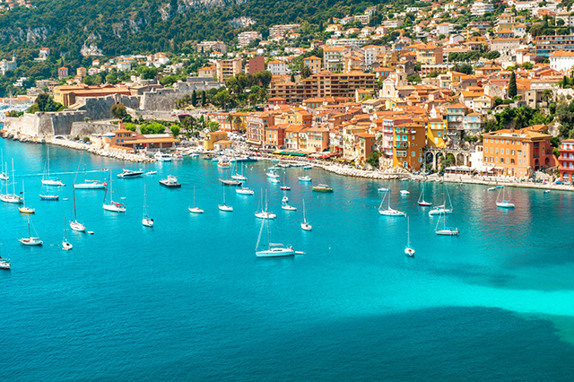 French Riviera: Effortless seaside style in the stunning Côte d'Azur on the Mediterranean. High glamour Saint Tropez and Cannes are beacons for the silver screen and style stars; your resort wardrobe needs to be A-league.