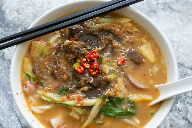 Malacca Straits: Chef Tan brings 50 years of Malay culinary know-how to this Ultimo eating gem, which means authentic laksa and plenty of it. For die-hard laksa lovers the spicy and sour trip to Penang via the fish-based assam laksa is a must-eat. (Image: b-kyu.com)