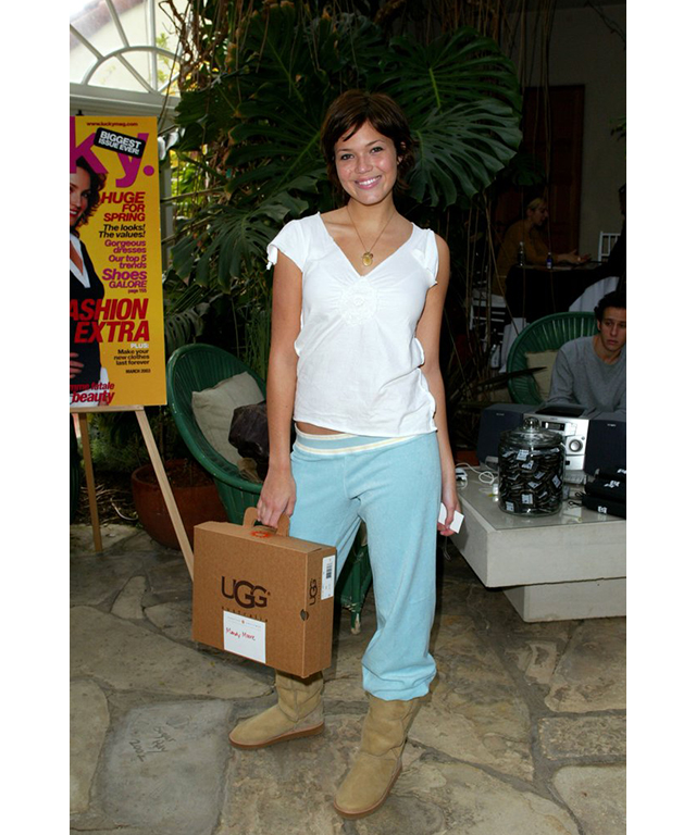 Mandy Moore matched her trackies with Ugg boots. Yeah, that moment happened too.