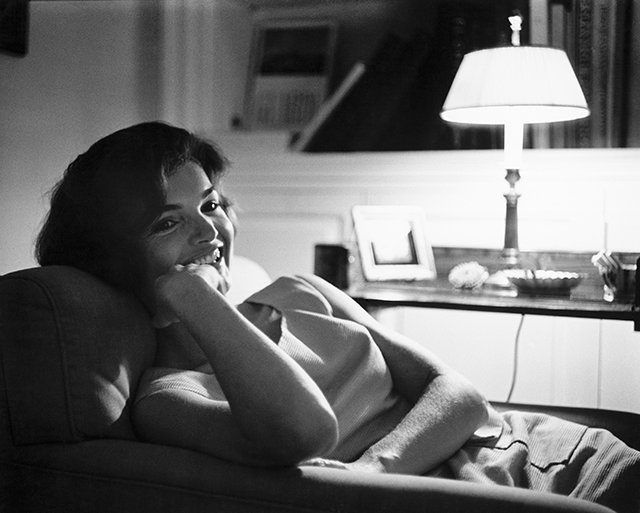 Jackie Kennedy (© Mark Shaw mptvimages.com)