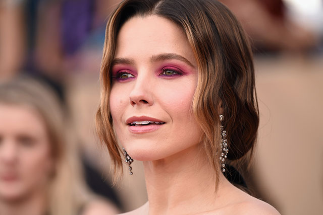 Bright eyeshadow: Sophia Bush and Emily Blunt pulled off the impossible – made bright pink and orange shadow look chic. To nail this trend, the famous clad brought the eye shadow right up to the arch and slightly below, and kept mascara/liner to a minimal.