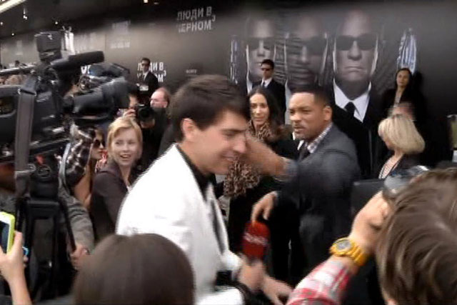 "Will Smith came across the prankster on the red carpet for Men in Black 3 in Moscow 2014. Seduiuk tried to awkwardly kiss the actor, but he was quickly shoved with a slap in face instead. When asked about the incident, Will Smith said, ""He's lucky I didn't sucker-punch him."""