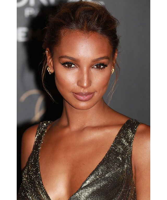 Jasmine Tookes:  Glowing, radiant and completely goddess-like. Tookes is the ultimate #skingoals in this red carpet look.