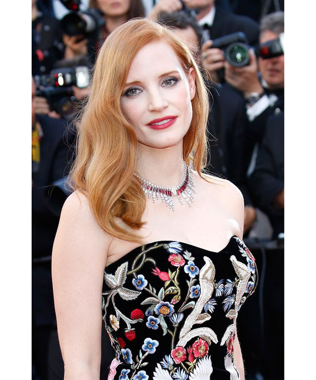 Jessica Chastain: This gorgeous red-head choose a pink lip to highlight her frock and natural, fallen-out waves.