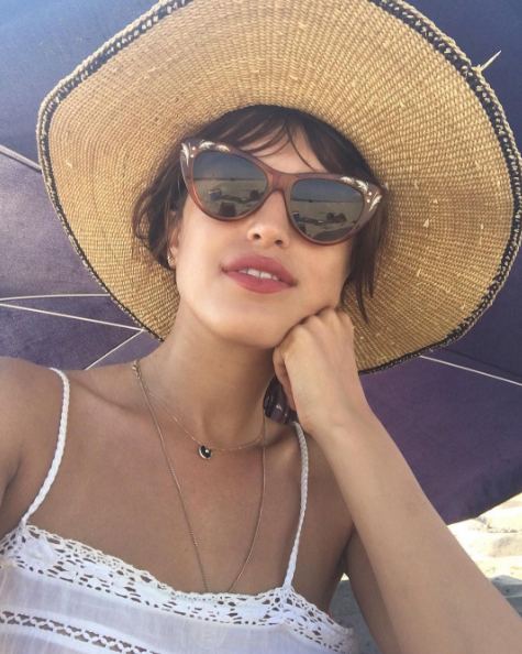 A parisienne in New York: Jeanne Damas gives a lesson in chic French style at Rockaway beach / @jeannedamas