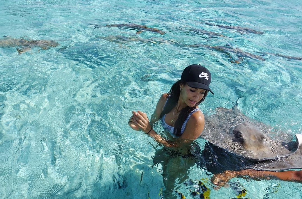 "Joan Smalls out-of-office simply says ""Stingrays and chill"" / @joansmalls"