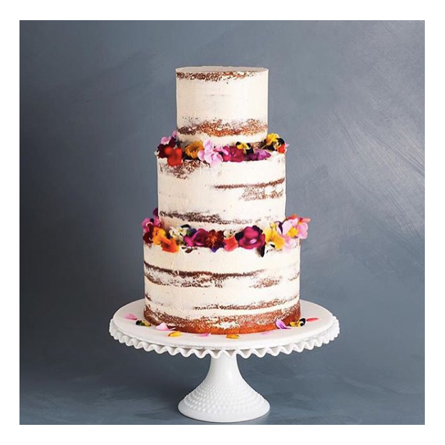 @cake_ink: is a Melbourne cake and stationary studio. A genius pairing.