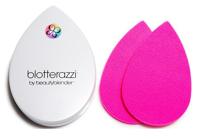 Beautyblender Blotterazzi. Another genius gadget from the Beautyblender people but this time for oily faces! It's an oil blotting system that fits to the contours of the face and has reusable, washable sponges. It's great for MUAs too for on-set touch ups