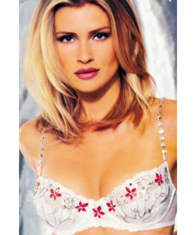 1998: Daniela Pestova wears the Dream Angel Fantasy Bra. Price: $5 million