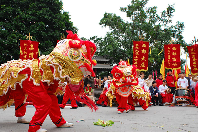 Lion dancing, Chinatown Sydney: Chinese lion dancing is said to bring good luck - get the lucky streak via the lion dancing exhibitions on Dixon Street in Chinatown, Feb 13.