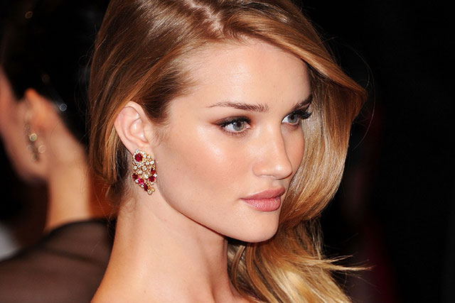 Rosie Huntington-Whiteley's facialist spills all the A-list skin care secrets