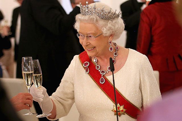 The Queen is producing her own sparkling wine