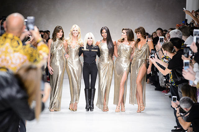 Needless to say, the wide shots of the runway that reveal show-goers performing extreme-craning onto the catwalk to capture the moment on their smart phones makes for some fun viewing.