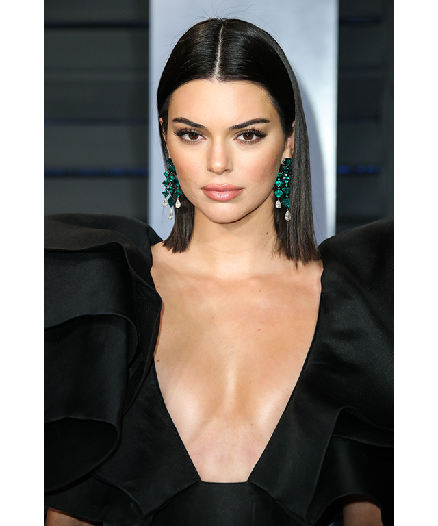 COOL BLACK | CELEB MATCH – KENDALL JENNER | LICORICE, ESPRESSO, JET BLACK: Don't be fooled - when it comes to hair, black isn't a one trick pony. While fairer skin tones may find this shade a little harsh to flaunt, warmer and neutral complexions and those with olive undertones will find that a hue in this shade can have a dramatic, porcelain-like effect on the skin.