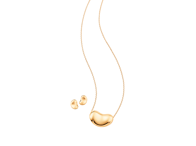 "10<p><a target=""_blank"" href=""http://87k.eu/vuud"">Elsa Peretti Bean Earrings &amp; Necklace</a></p>"