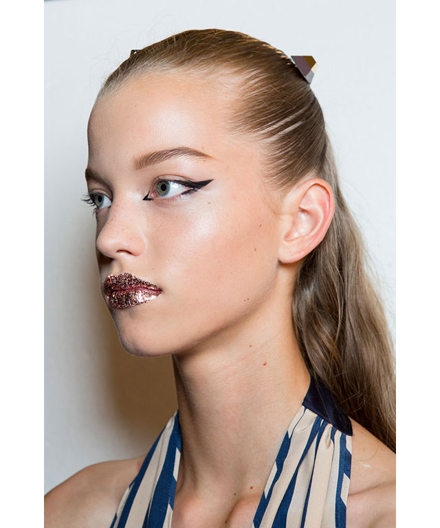 2. Graphic liner: Fendi