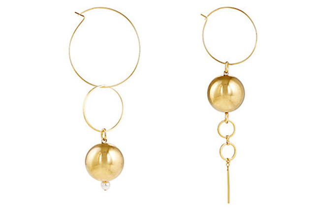 "Mounser<p><a href=""http://www.barneys.com/product/mounser-solar-hoop-purposely-mismatched-earrings-504867899.html?utm_source=polyvore&utm_medium=affiliate&utm_campaign=desktop_earrings_AU"" target=""_blank"">Barneys.com</a></p>"