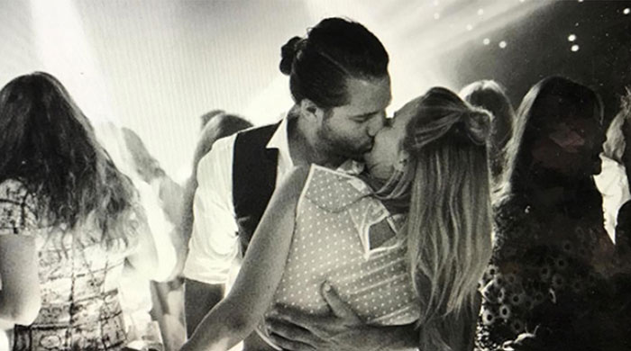 Did Margot Robbie serve pizza and Coco Pops at her wedding?