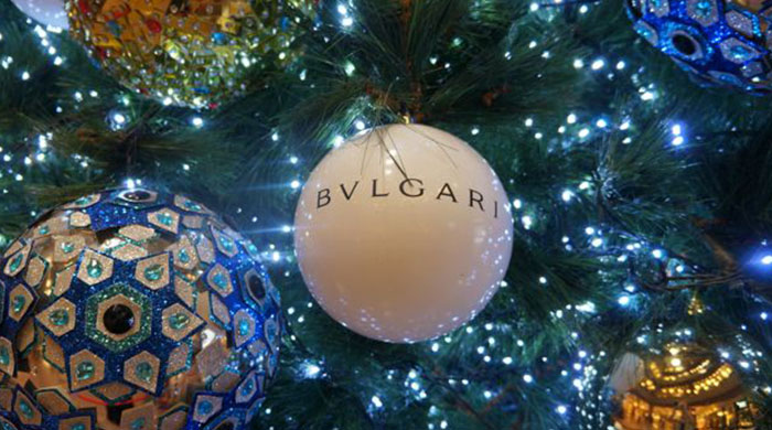 Bvlgari creates a Christmas pop-up store on your phone